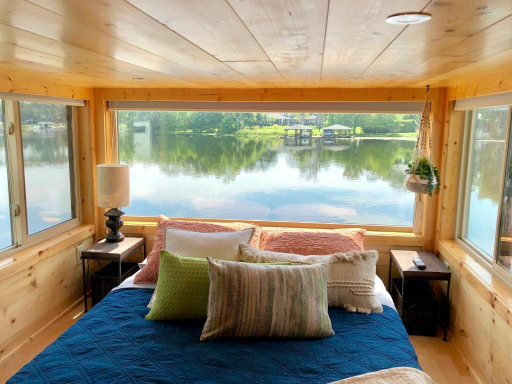 Vacation Home Orlando Lakefront Tiny Houses Fl Booking Com