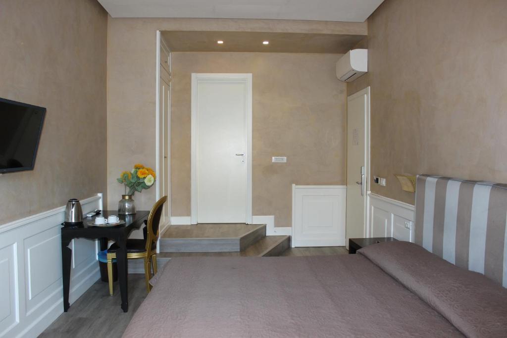 Bed & Breakfast Relais La Maison De Luxe (Italien Rom ...