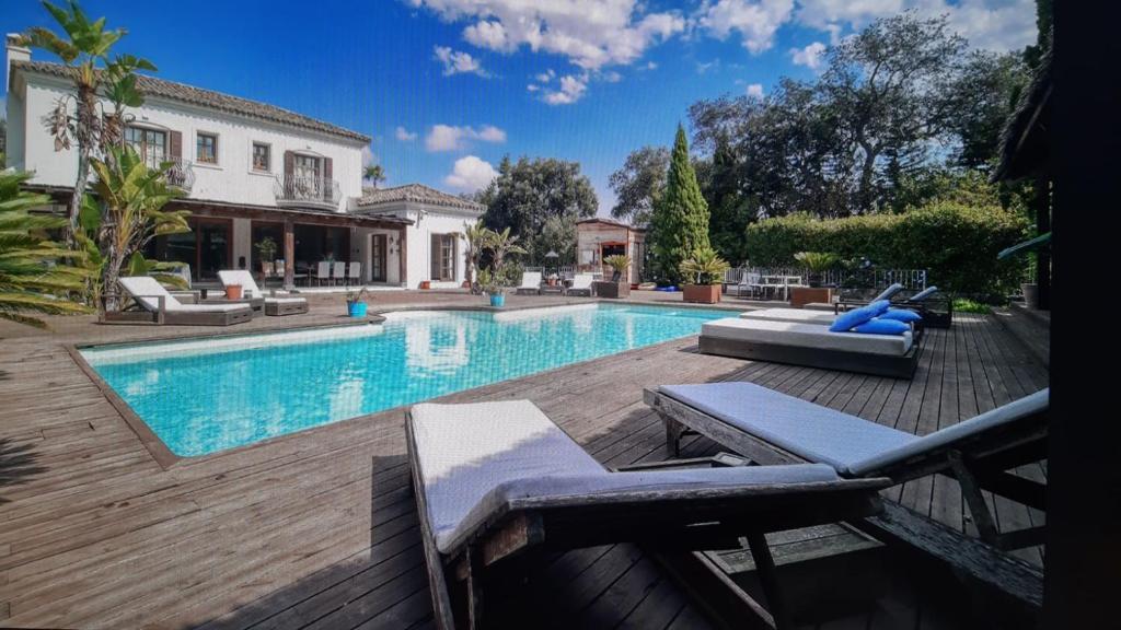 Der Swimmingpool an oder in der Nähe von Casa Milanina