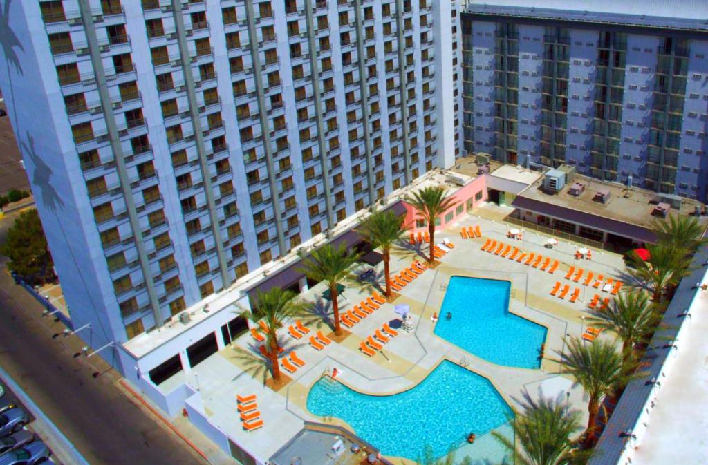 A view of the pool at OYO Hotel and Casino Las Vegas or nearby