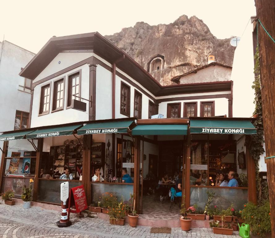Adult Guide in Amasya