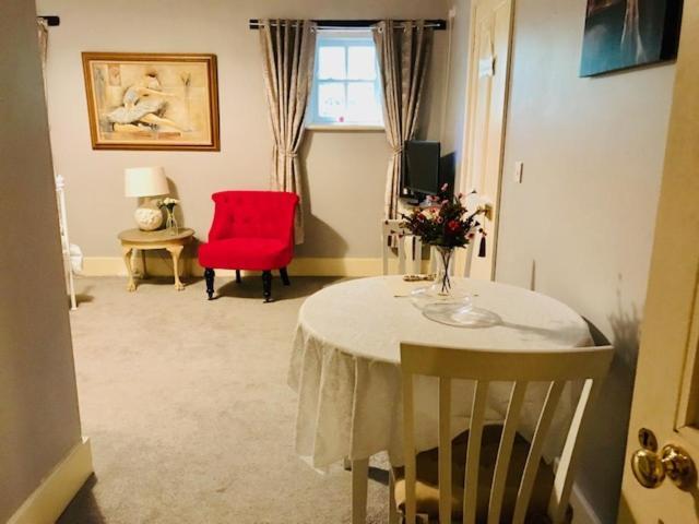 Bed and Breakfast Killossy, Naas, Ireland - uselesspenguin.co.uk