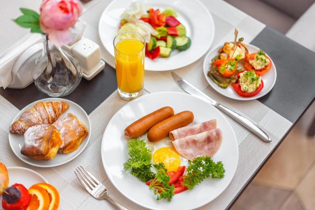 Обед и/или ужин для гостей Отель Минин на улице Пожарского