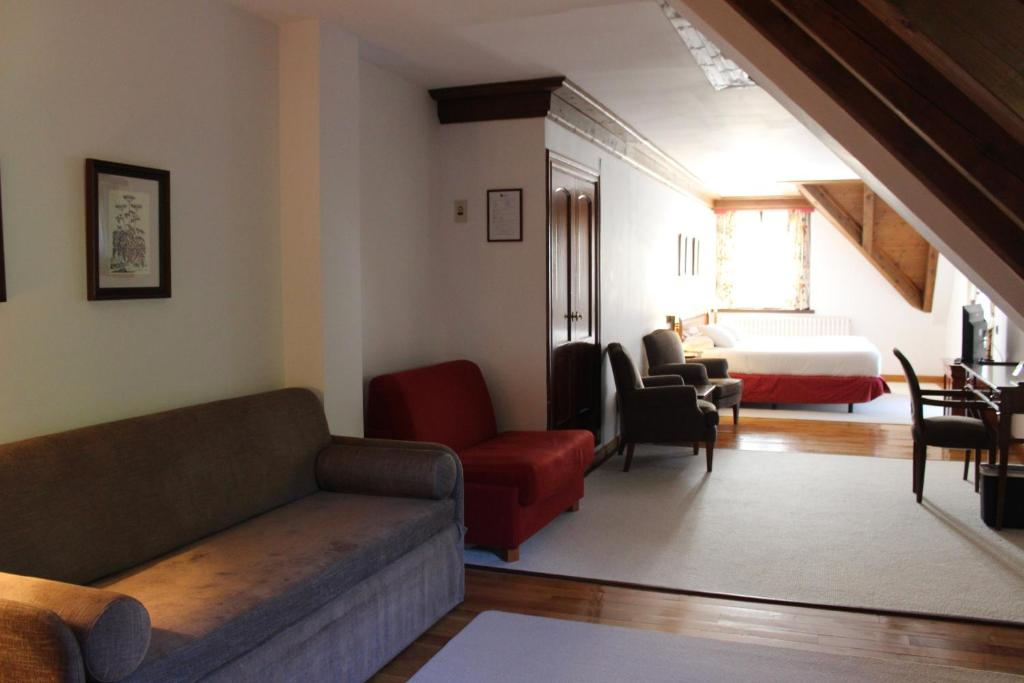 boutique hotels tredos  9
