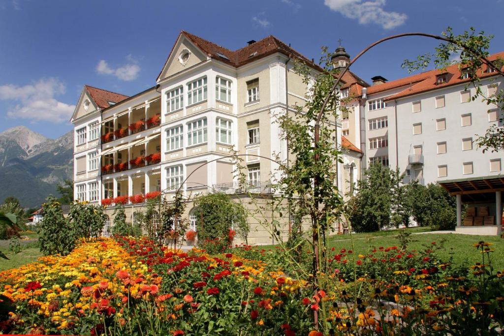 Frau sucht Frau Hall in Tirol | Locanto Casual Dating Hall in