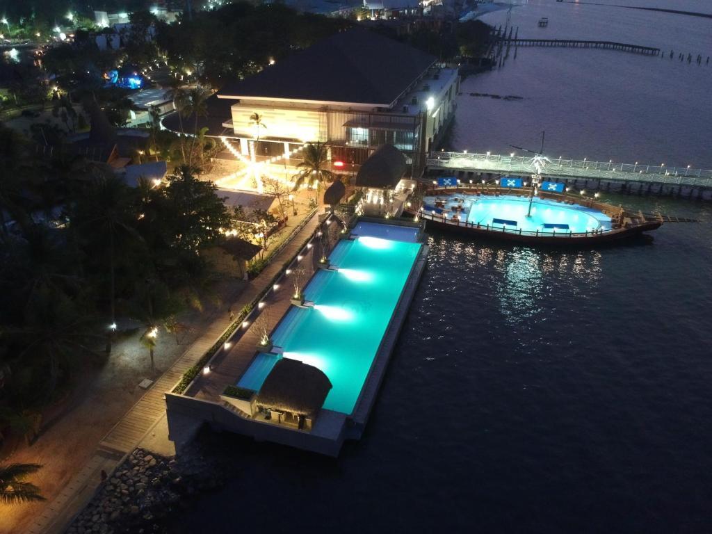 منظر المسبح في بوتري دويونغ أنكول او بالجوار