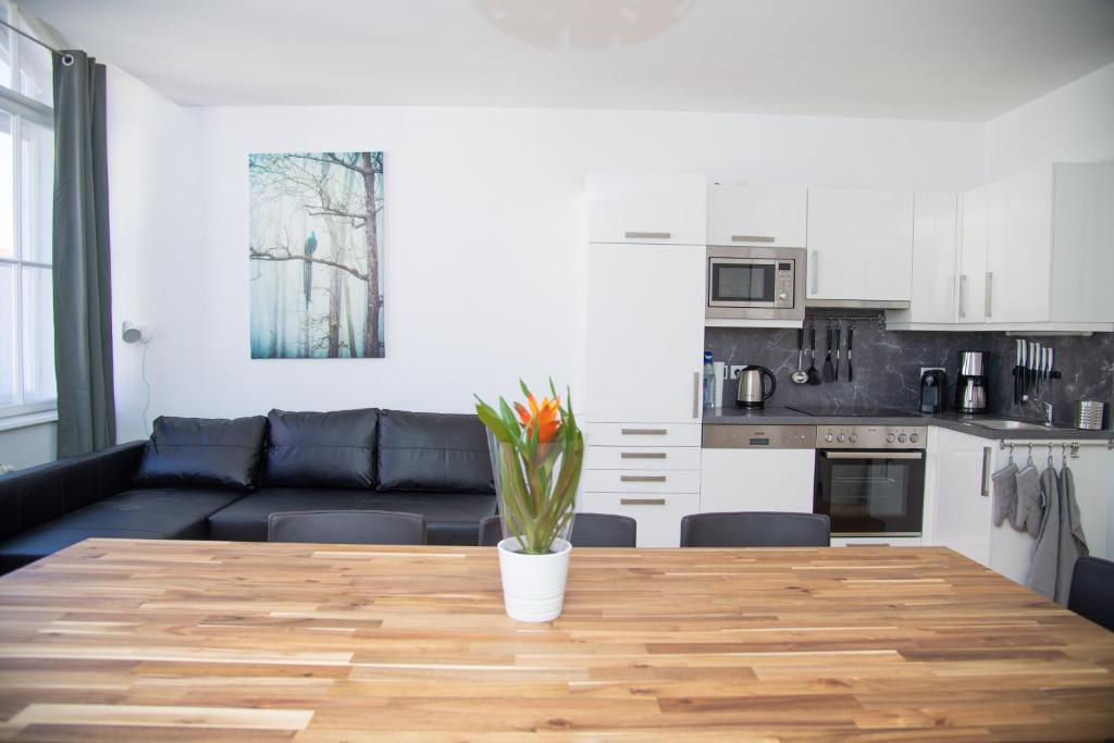 Pleasant Wien Mitte Vienna Updated 2019 Prices Lamtechconsult Wood Chair Design Ideas Lamtechconsultcom
