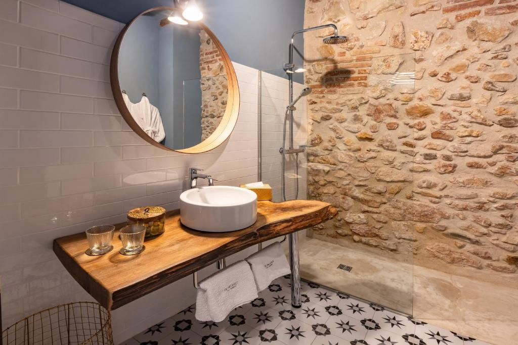 hotels with  charm in cornudella  15