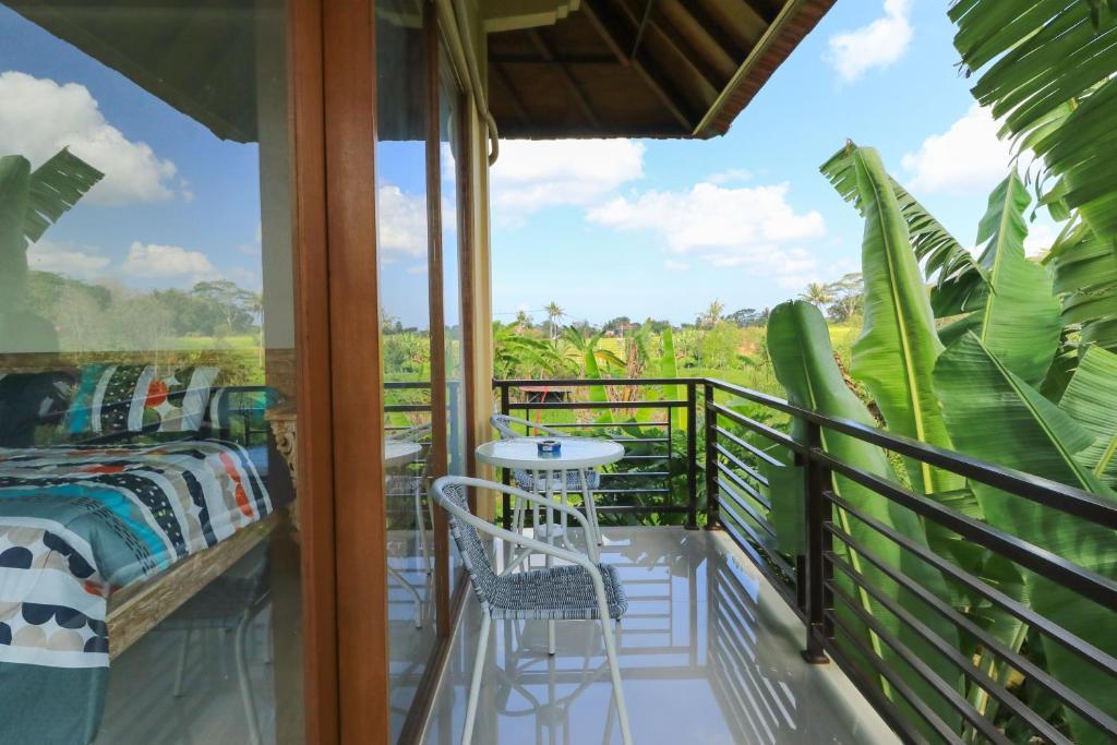 A balcony or terrace at Sunari Guest House