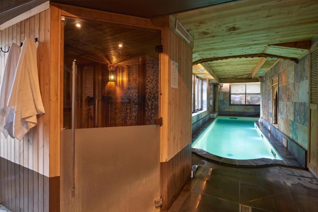 Hotel Et Spa Le Lion D Or Pont L'eveque Plus Hotels