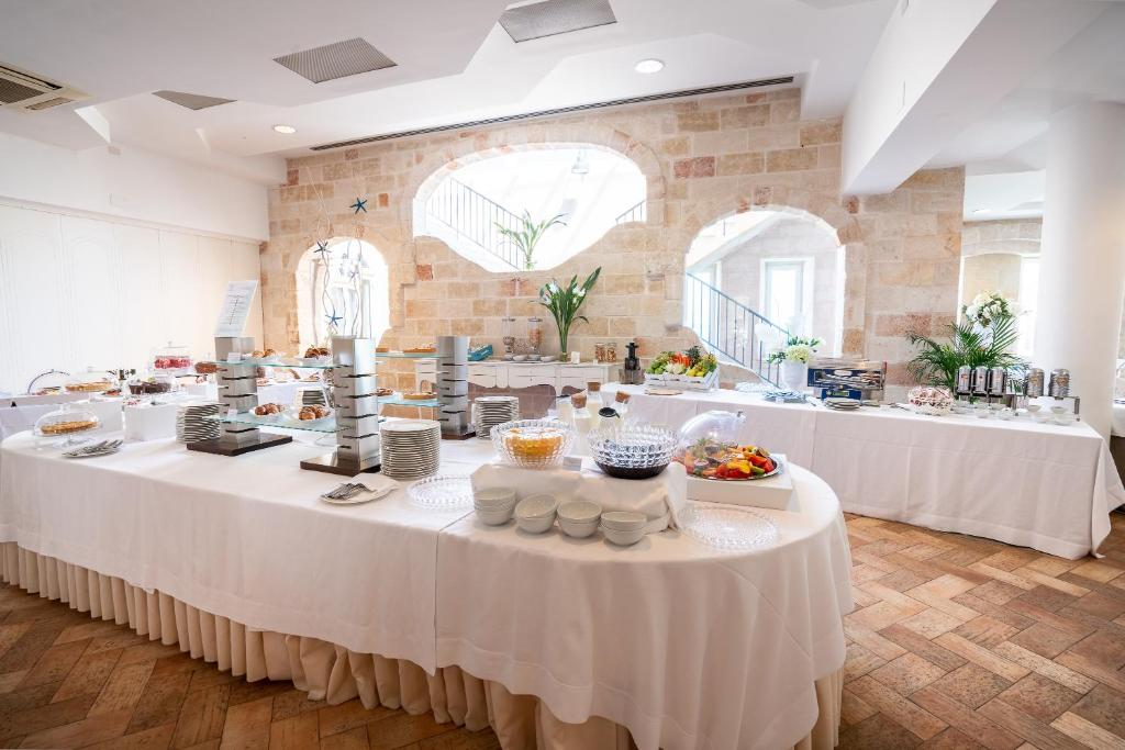 Hotel Covo Dei Saraceni Polignano A Mare Italy Booking Com