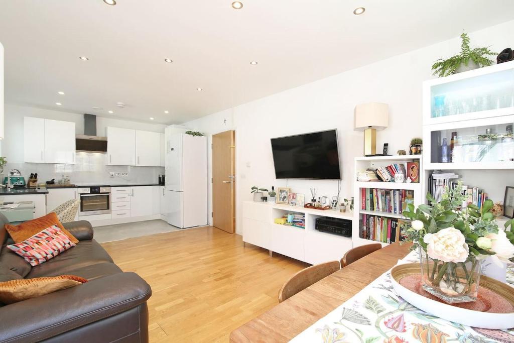 Stylish Ground Floor Apartment Near Brixton