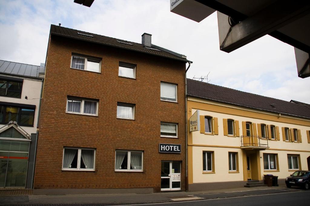 Hoone, kus hommikusöögiga majutusasutus asub