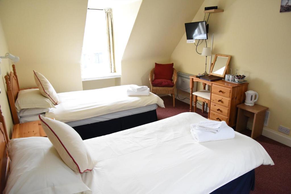 Corran House Hostel