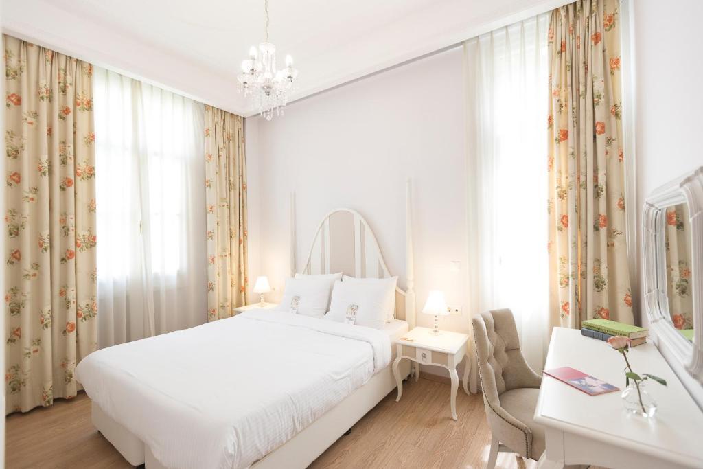 Gatto Perso Luxury Studio Apartments, Salonicco – Prezzi ...