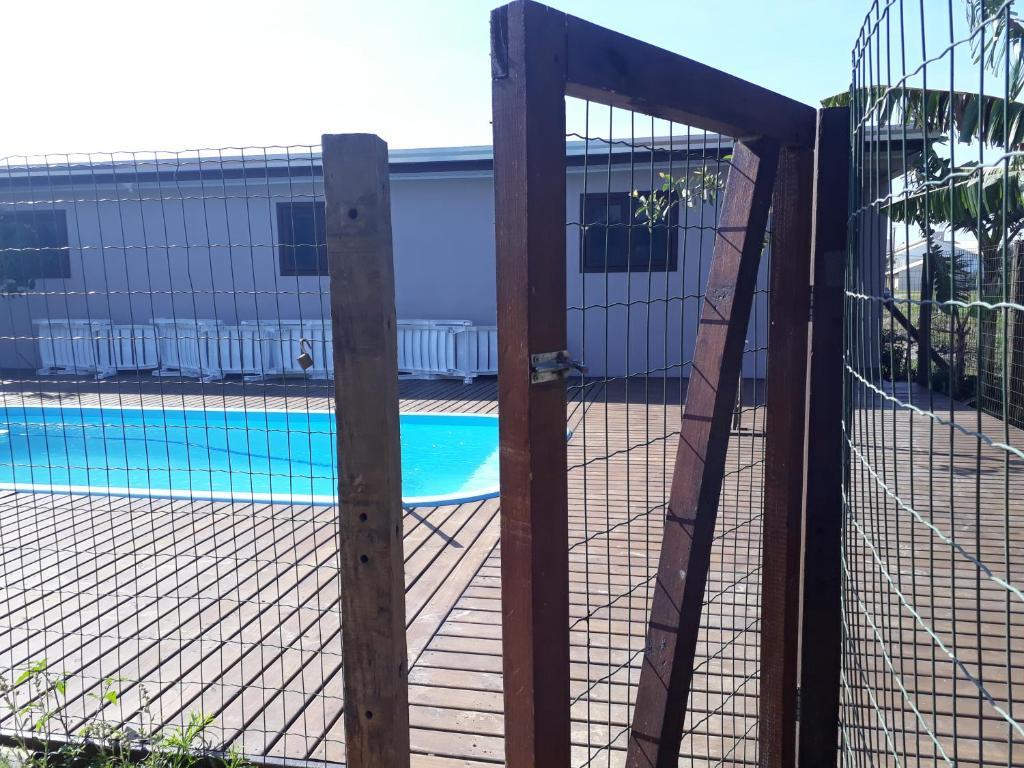 The swimming pool at or near Casa para Lazer