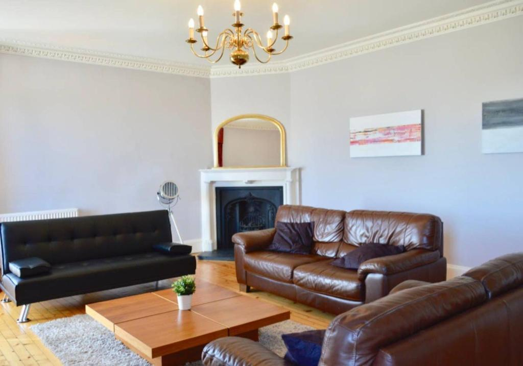 Incredible Edinburgh Penthouse Apartment With Roof Terrace