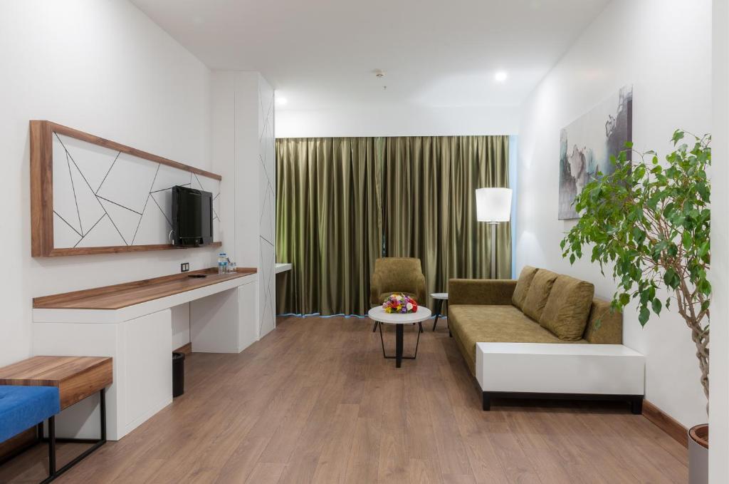 Гостиная зона в ISG Sabiha Gökçen Airport Hotel