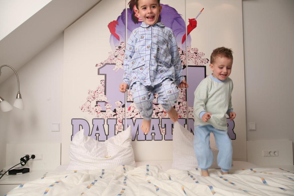 Children staying at CineHotel Maroni