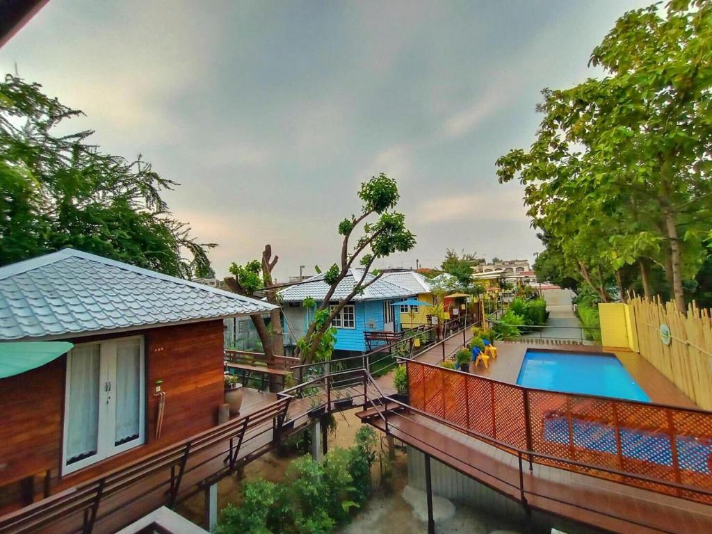 Ein Blick auf den Pool von der Unterkunft Mango House oder aus der Nähe