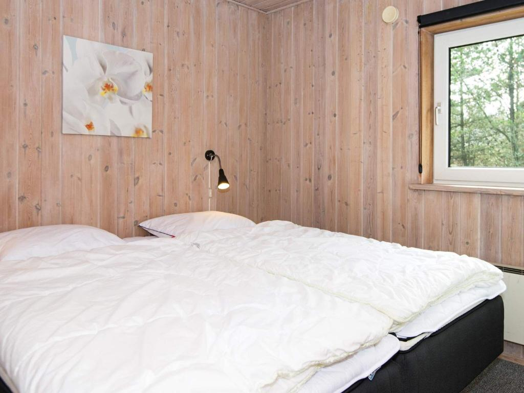 Five-Bedroom Holiday home in Blåvand 12
