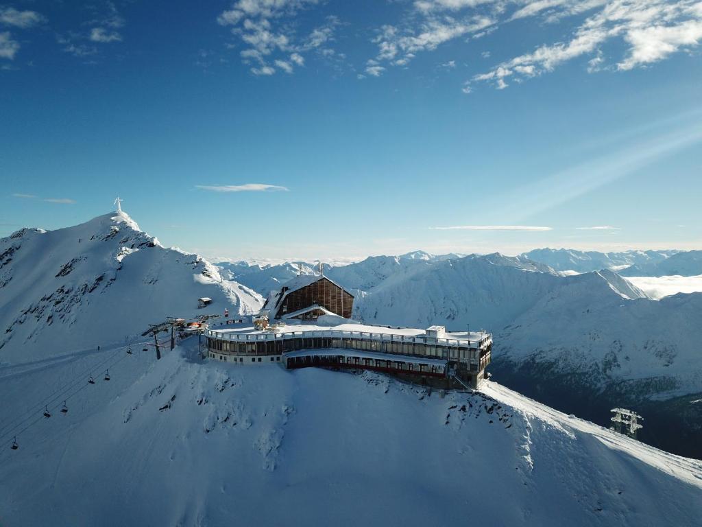 Glacier Hotel Grawand a l'hivern