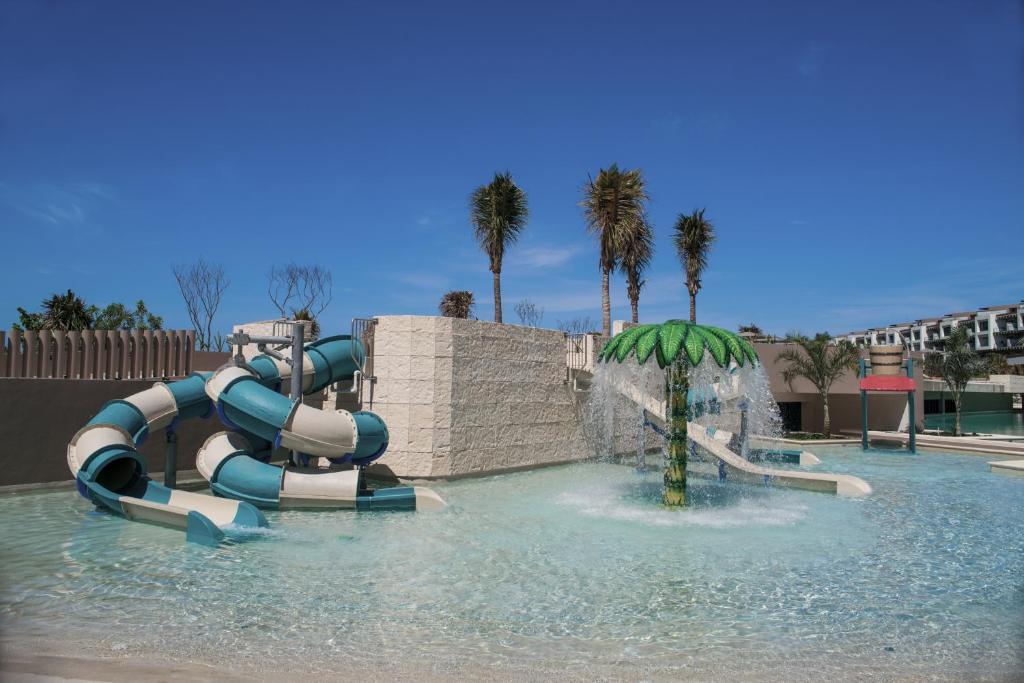 Resort Estudio Playa Mujeres by Atelier de (México Cancún ...