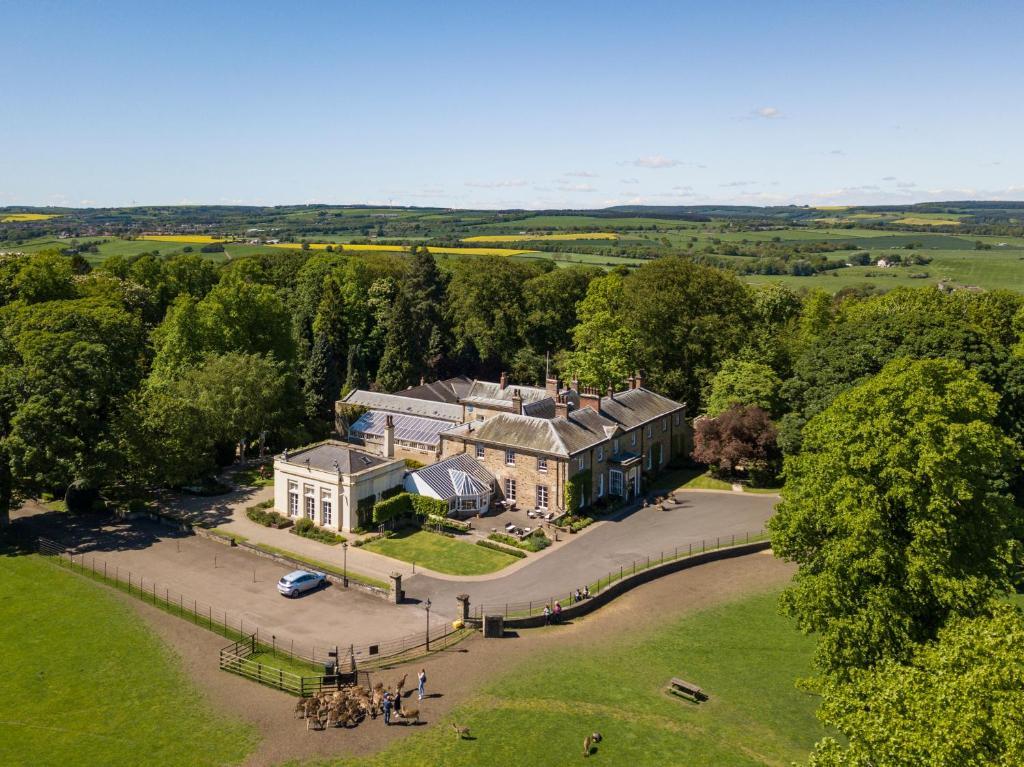 A bird's-eye view of Whitworth Hall Hotel & Deer Park - Durham