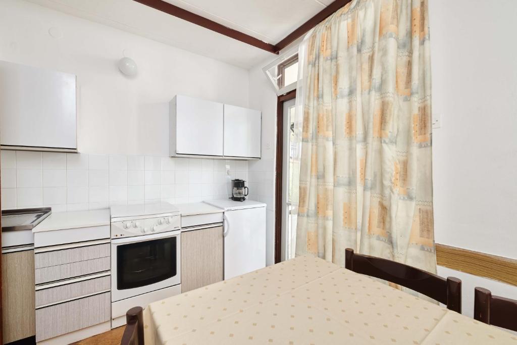 Apartments Astra Plava Laguna, Poreč (Parenzo) – Prezzi ...