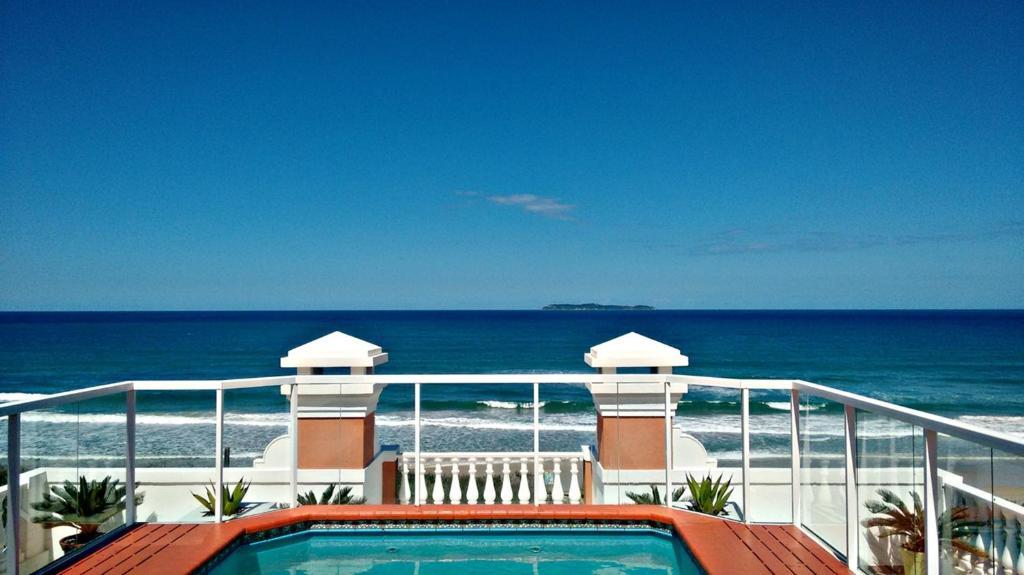 Vista general del mar o vista desde el hostal o pensión