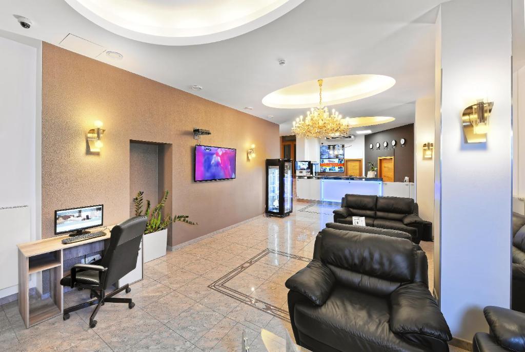Tremendous Booking Com Hotel Aura Design Garden Pool Prag Beatyapartments Chair Design Images Beatyapartmentscom