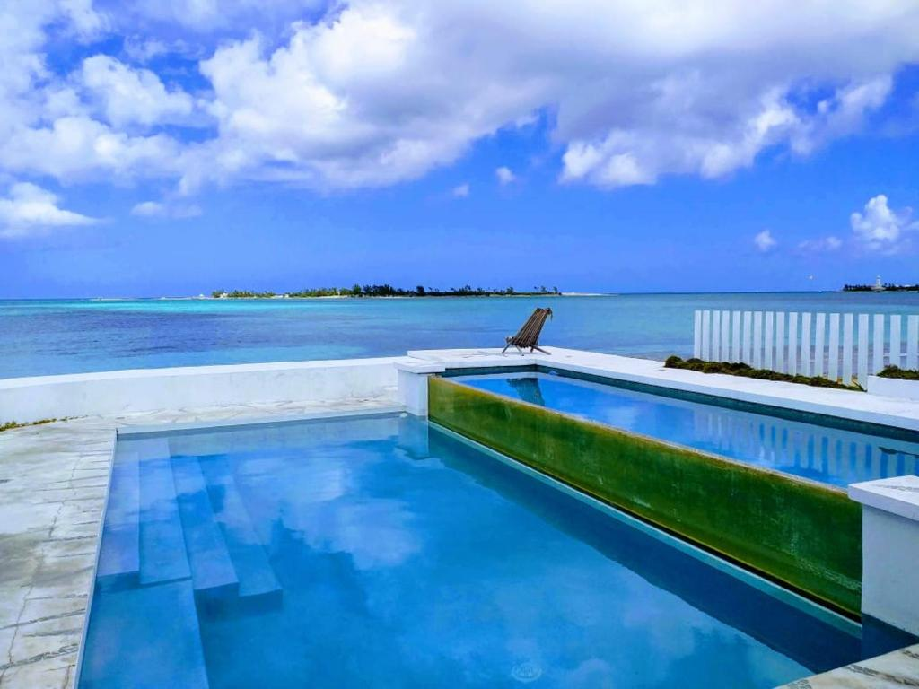 Beach House Hostel Nassau Updated 2020 Prices