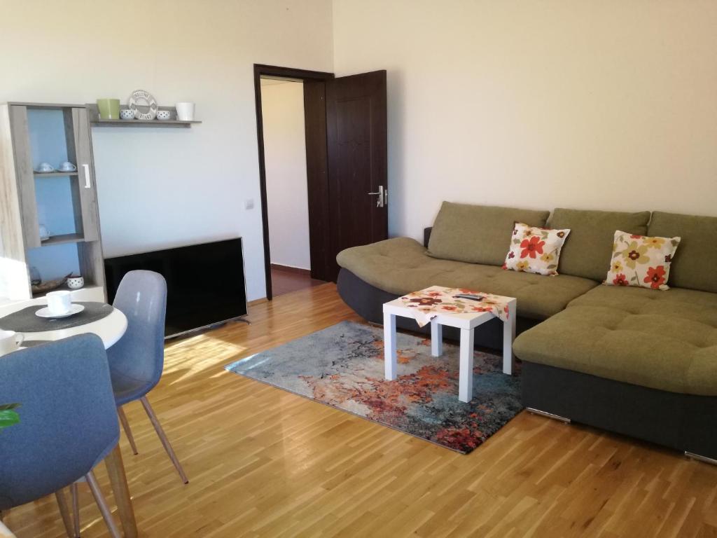 Apartament Vinica Varna Obnoveni Ceni 2020