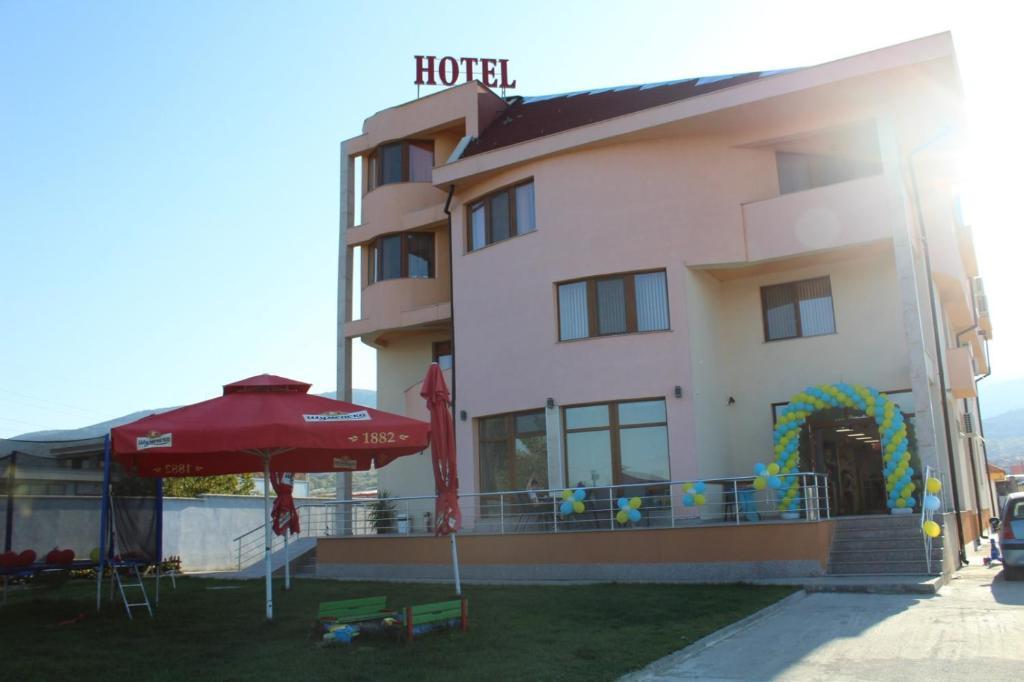 Semeen Hotel Dani Asenovgrad Obnoveni Ceni 2020