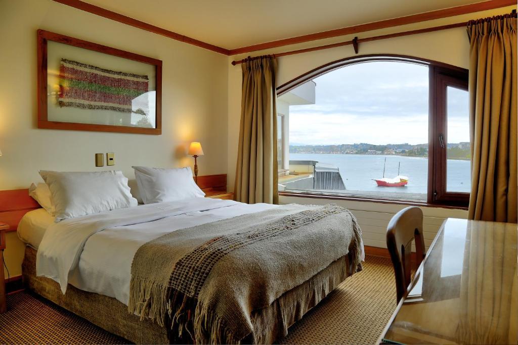 Hotel Cabaña Del Lago Puerto Varas, Chile - Booking.com