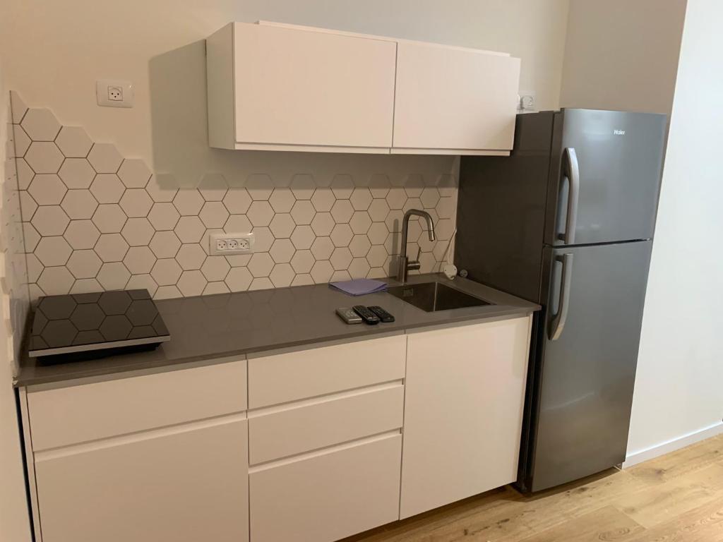 A kitchen or kitchenette at studio