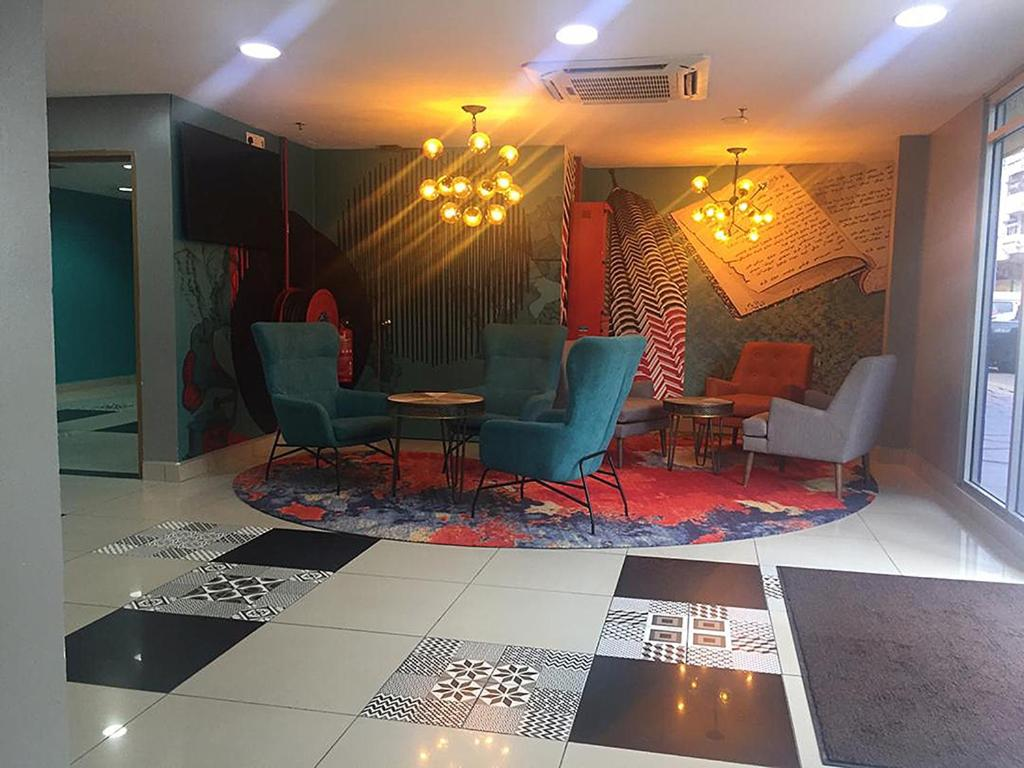 The lobby or reception area at Living at dsulaiman