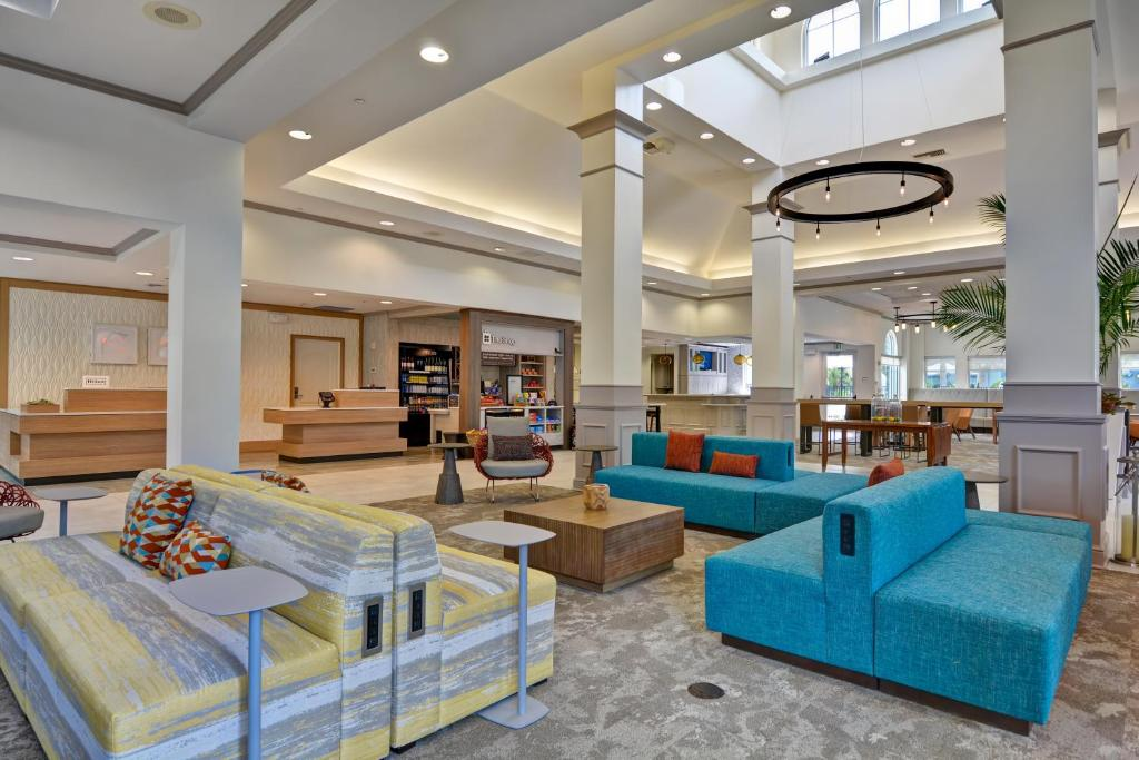 The lobby or reception area at Hilton Garden Inn Orlando Lake Buena Vista