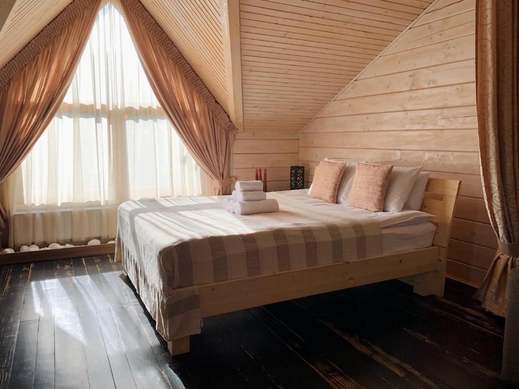 Картинки по запросу Проживание в отеле во время отпуска во Львове