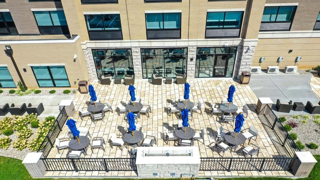 A bird's-eye view of Holiday Inn Express & Suites - Elizabethtown North