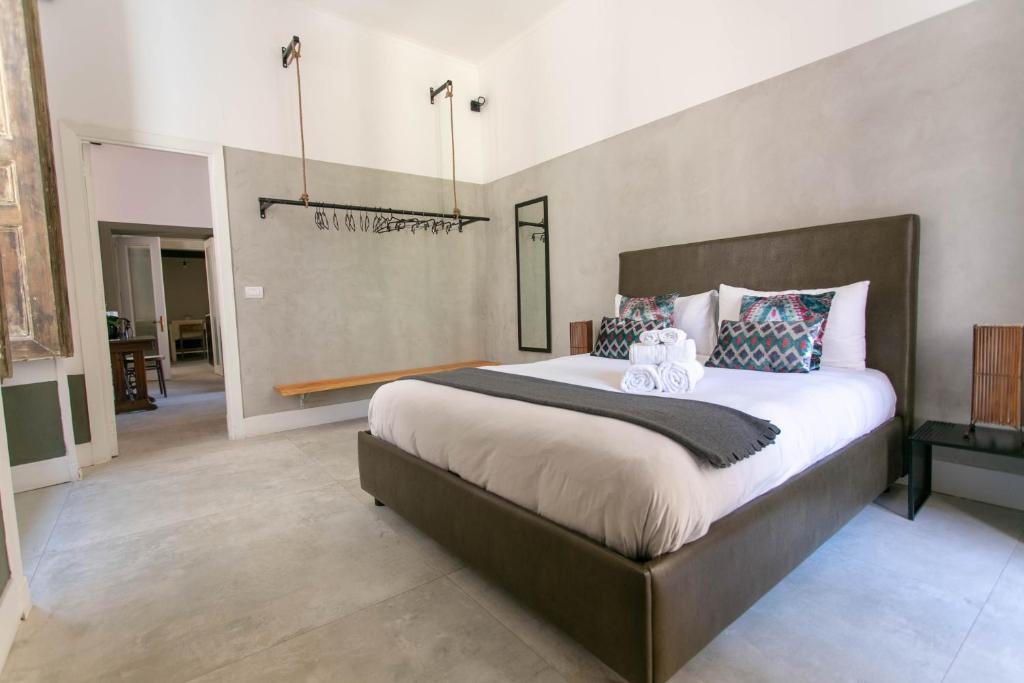 Apartment Casa Dei Mille A Chiaia Naples Italy Booking Com