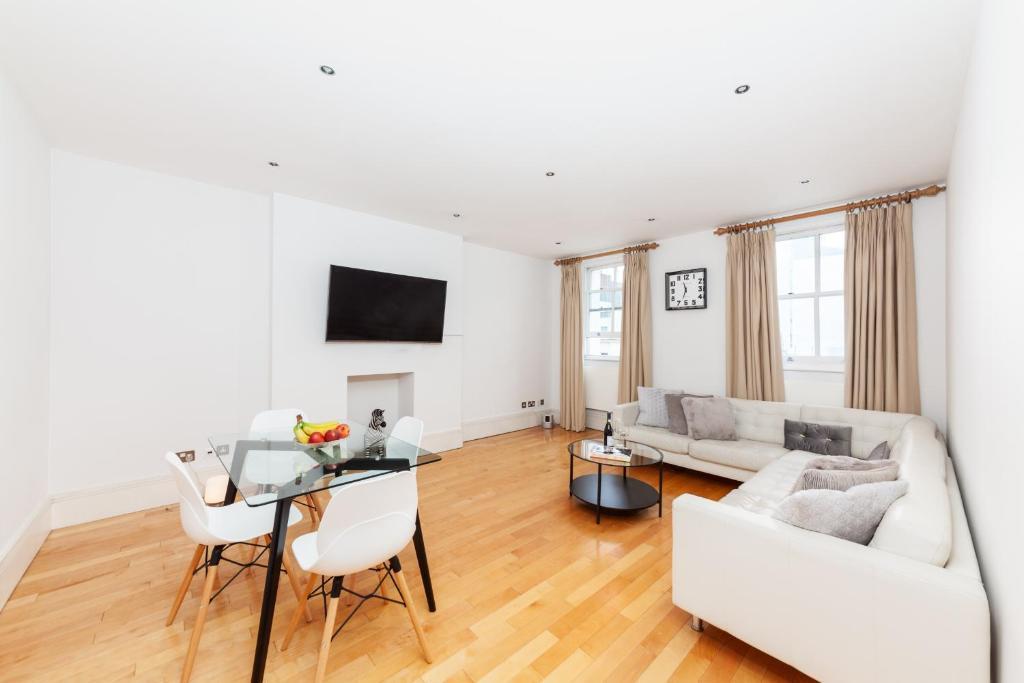 Luxury Lancaster Apartment
