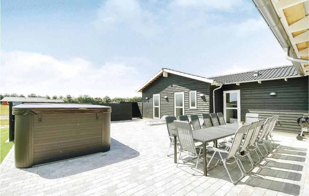 Five-Bedroom Holiday home in Ansager