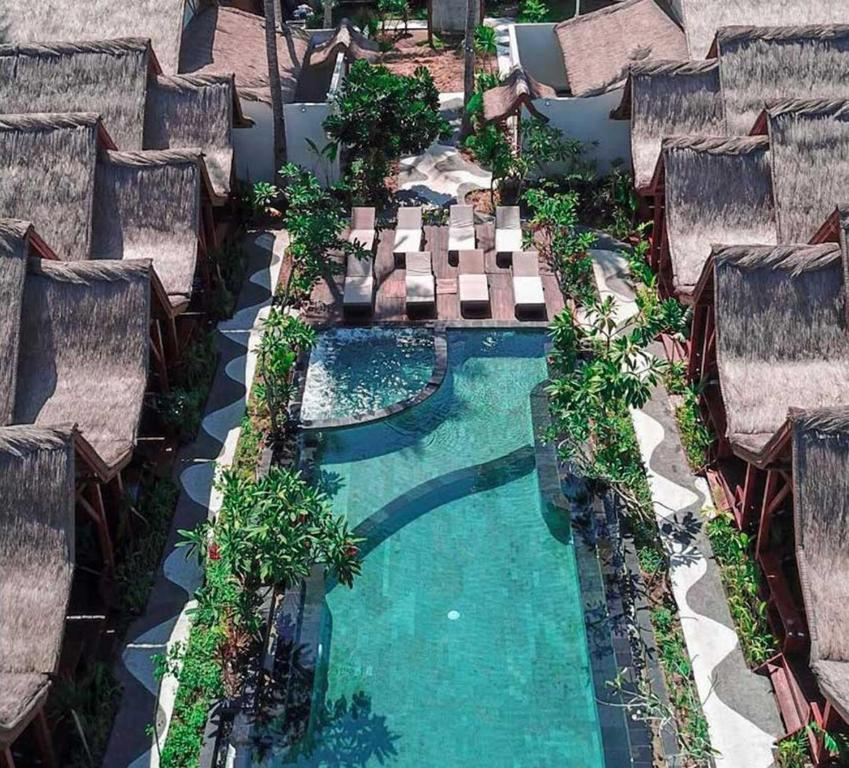 A view of the pool at Gili One Resort or nearby