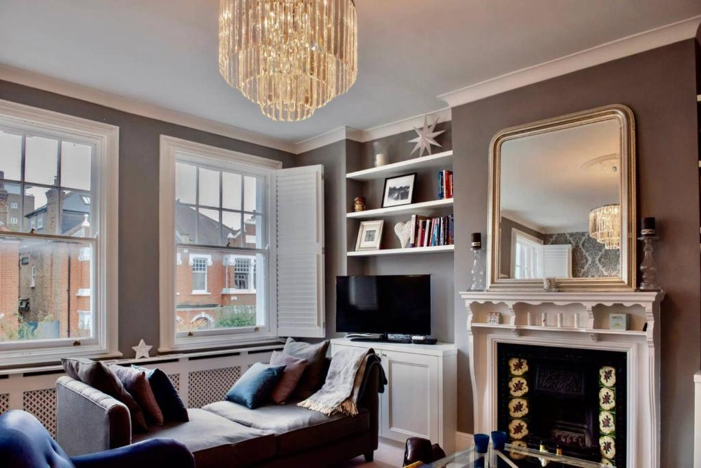 Ferienhaus Beautifully Decorated 3 Bedroom Home in Putney ...