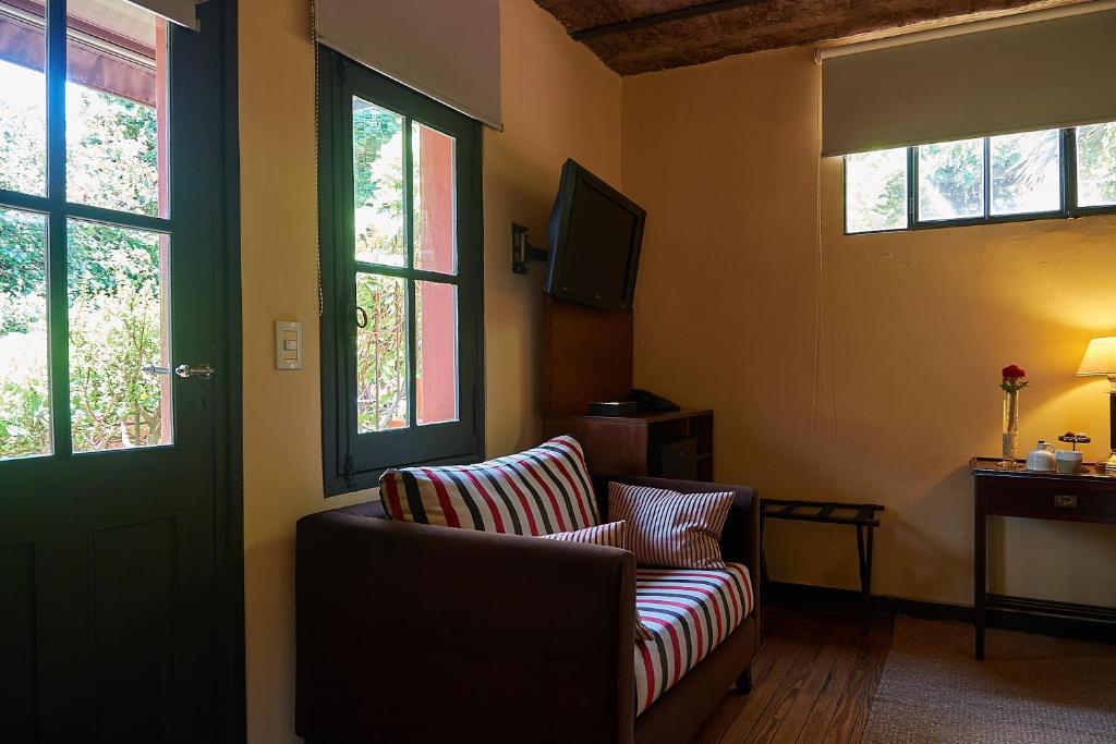 Hotel BE Jardin Escondido (Argentinien Buenos Aires ...