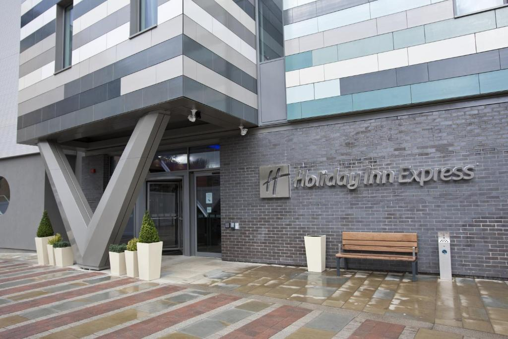Holiday Inn Manchester Arena Uk Bookingcom