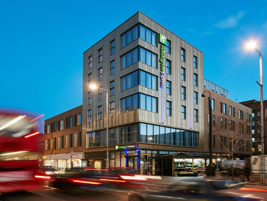 Holiday Inn Express London-Ealing in London, Greater London, England