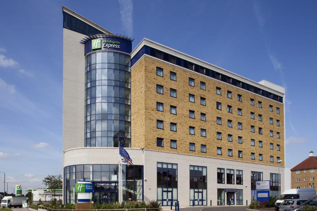Holiday Inn London Newbury Park Ilford Uk Bookingcom