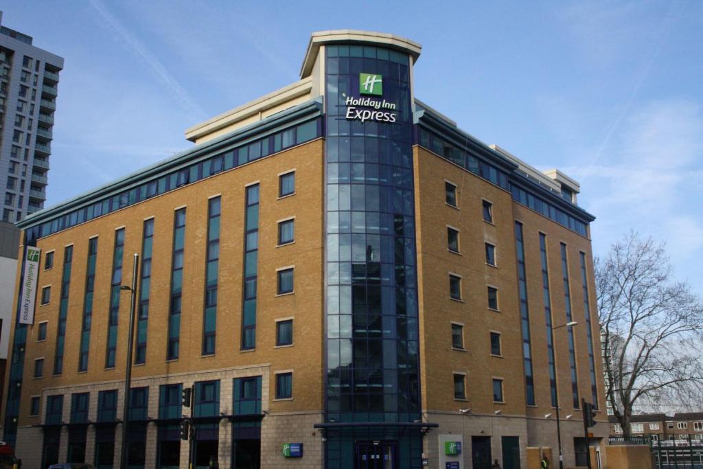 Holiday Inn London Stratford Uk Bookingcom